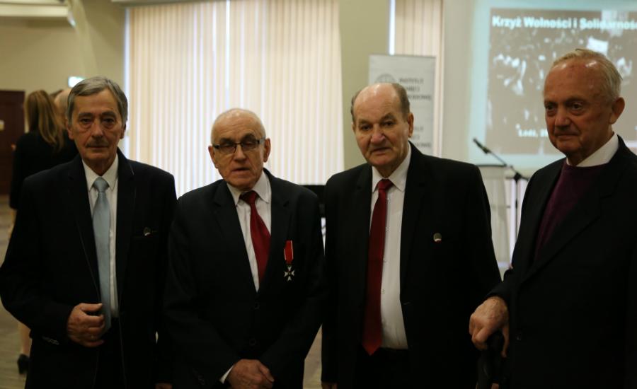 Krzyże dla opozycjonistów PRL