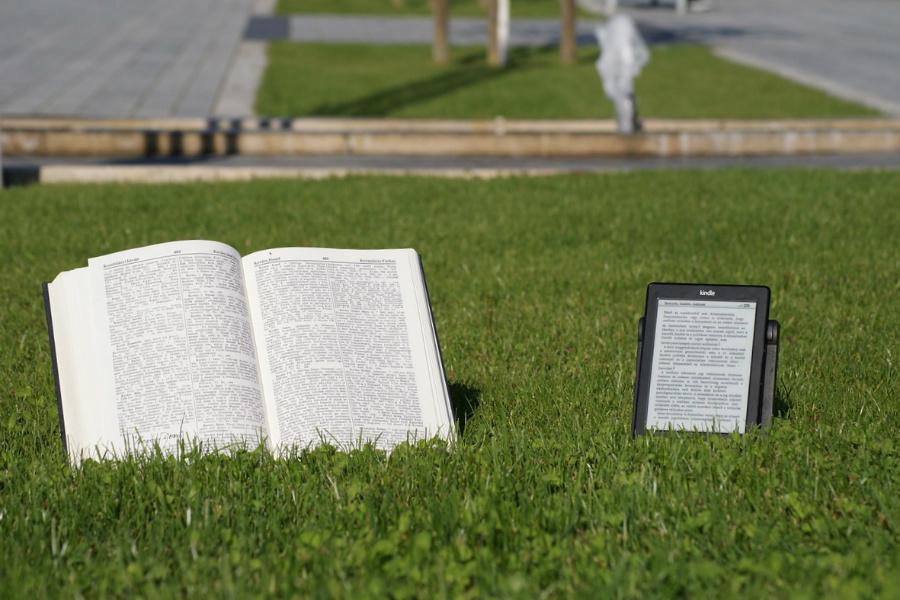 Otwarty dostęp do 2700 e-booków
