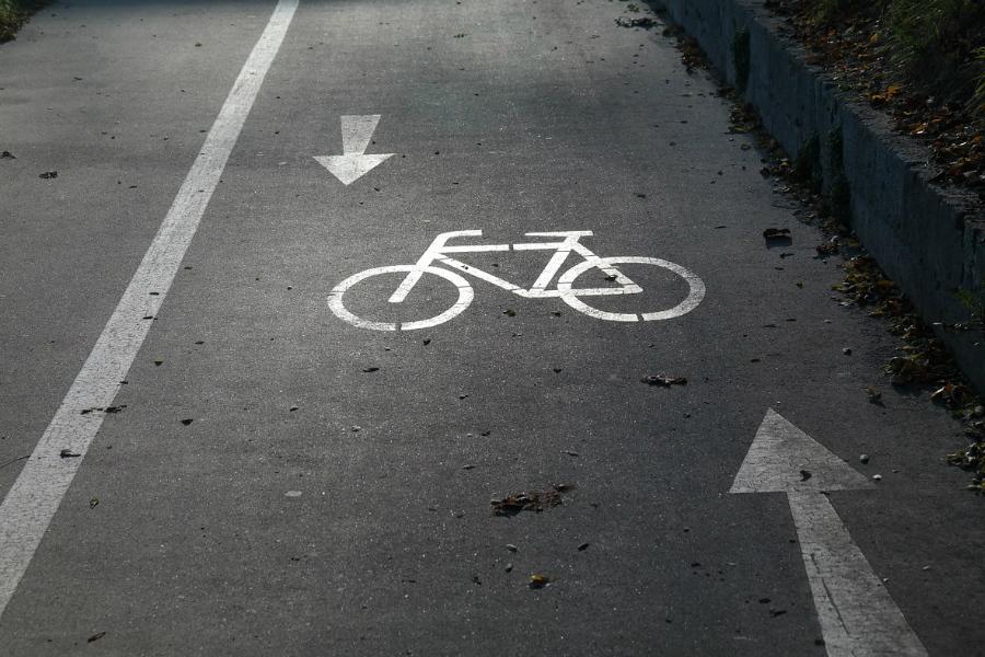 Gdzie powinny być ścieżki rowerowe?
