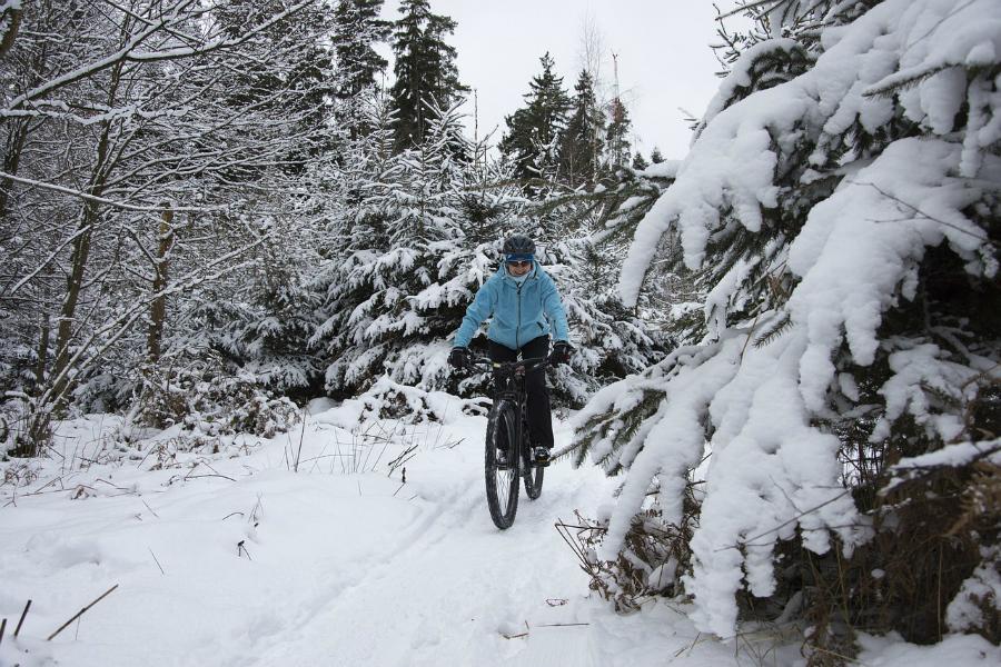 Zima rowerzyście niestraszna [PORADNIK]