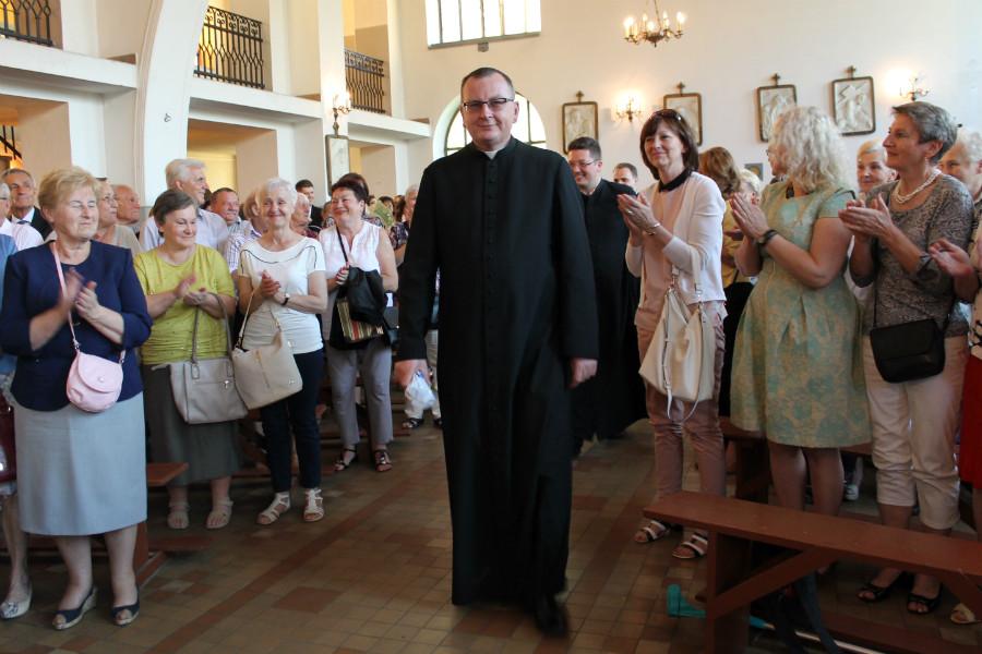 W parafii Miłosierdzia rośnie liczba rodzin przyjmujących księdza