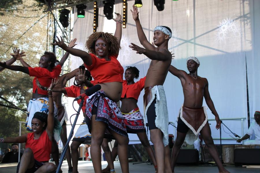 Tańce plemienne zrobiły furorę [VIDEO]