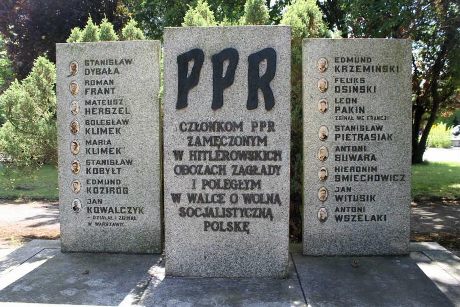 Pomników upamiętniających komunistów nie trzeba usuwać z cmentarzy