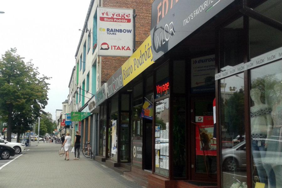 Zarząd Dróg Miejskich każe sklepom płacić za szyldy