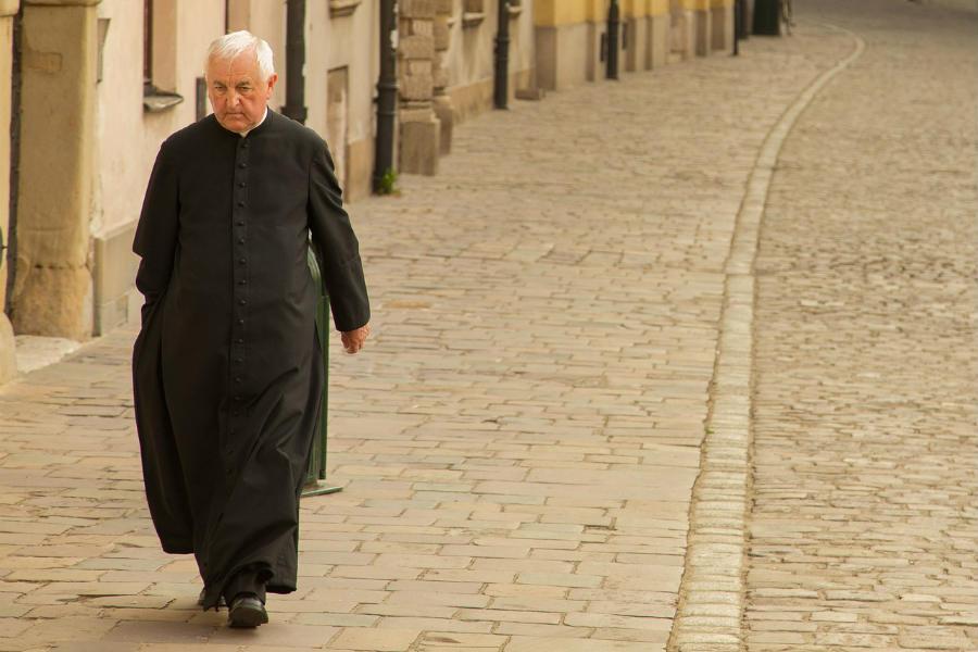 Kuria usunęła kolędowy poradnik dla parafian. Powstała za to instrukcja dla kapłanów…