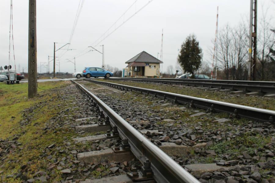 Pociąg zabierze nas z Lutomierskiej. Będą dwa perony, wiaty i parkingi [MAPKA]