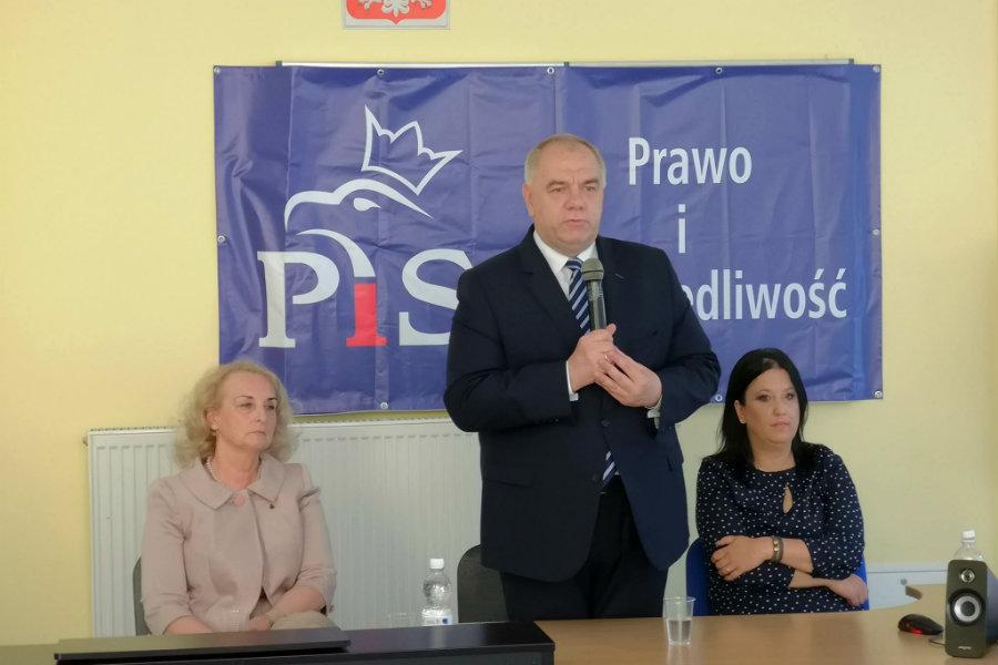 Sekretarz stanu w Kancelarii Premiera czeka na mieszkańców w Bychlewie