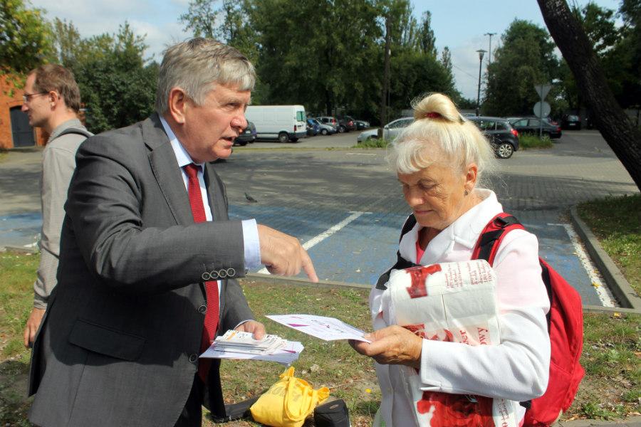 Marszałek promował pociąg, a spotkał najstarszą w Polsce biegaczkę