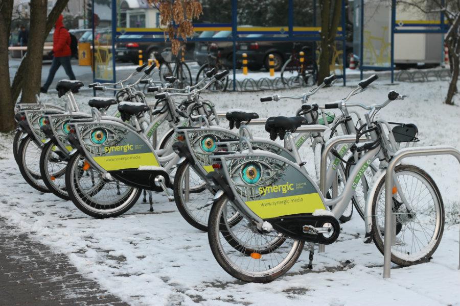 Plucha i śnieg nam niestraszne. Jesteśmy liderami w korzystaniu z miejskich rowerów!