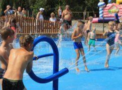 Dzieci otworzyły wodny plac zabaw na Lewitynie [VIDEO]