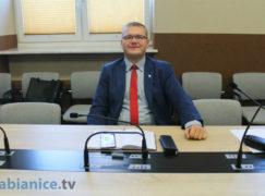 """Hodak wyrzucony z klubu PiS za """"postępowanie niezgodne ze statutem partii"""""""