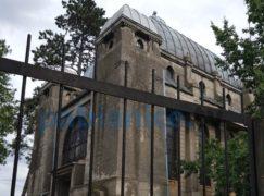 Mauzoleum Kindlerów rywalizuje z katedrą Notre-Dame