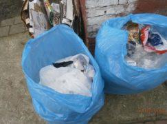 500 zł mandatu za worki ze śmieciami na ulicy