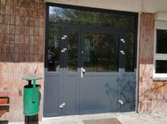 6 kompletów nowych drzwi w szpitalu. Nie każdy wejdzie