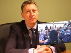 Adwokat z Pabianic o działaniach policji podczas protestów LGBT
