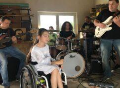 Stworzyli teledysk o niepełnosprawnych dzieciach, które realizują marzenia [VIDEO]